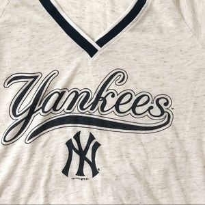 5th & Ocean Tops - Yankees 5th & Ocean V Neck Graphic Ringer Tee